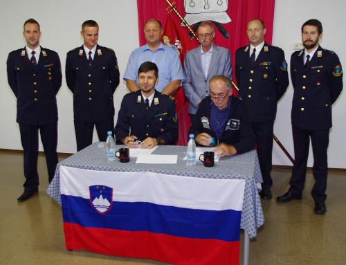 Podpis pogodbe o dobavi gasilskega vozila AC 24/60